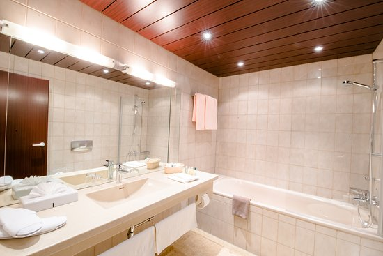 badezimmer-goldener-hirsch