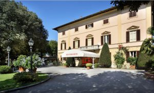 Villa delle Rose Pescia, PT, Italia P: +39.0572.4670 F: +39.0572.444003